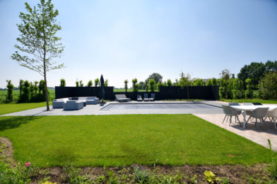 Exclusieve tuin met zwembad